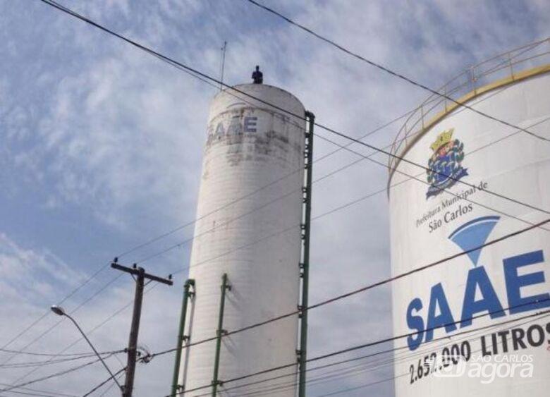"""""""São Carlos tem centenas de vazamentos enquanto população fica sem água em casa"""", reclama vereador Dimitri - Crédito: Divulgação"""