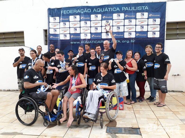 Equipe de natação são-carlense busca apoio junto à empresários para atletas ACDs - Crédito: Marcos Escrivani