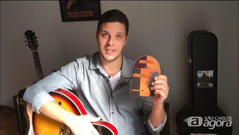 Músico são-carlense grava álbum sem sair de casa e lança campanha que ajudará famílias carentes - Crédito: Marcos Escrivani