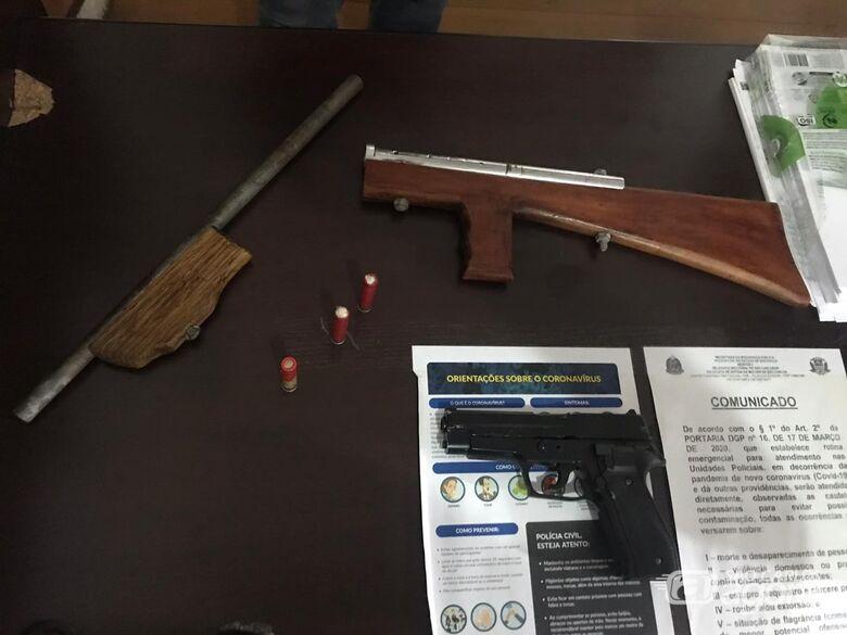 Homem é preso por porte ilegal de arma de fogo no Cidade Aracy II - Crédito: Divulgação/PM