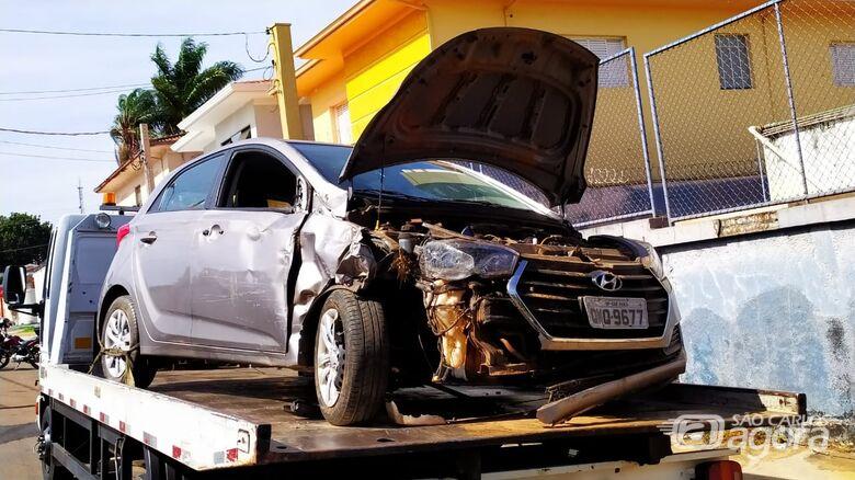 Carro que pode ser clonado é apreendido após acidente no Aracê de Santo Antonio - Crédito: Maycon Maximino