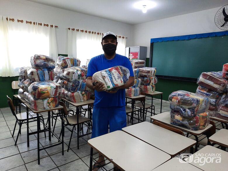 Prefeitura de Ibaté faz entrega de kit merenda escolar - Crédito: Divulgação