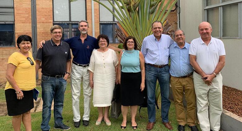 Professores da USP São Carlos e UFSCar juntos em Feira Virtual de Ciência e Tecnologia - Crédito: Divulgação