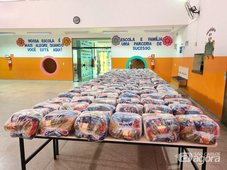 Durante pandemia Ibaté faz entrega de kit merenda escolar - Crédito: Divulgação