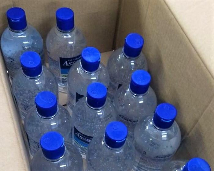 Álcool em gel doado pelo vigilante Erivaldo Leite Duarte que ficou internado na UTI Covid - Crédito: Divulgação