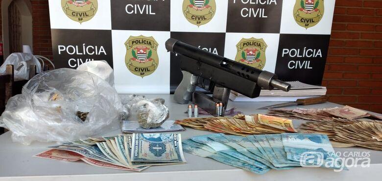 Dise prende traficante e metralhadora .40 no Zavaglia - Crédito: Maycon Maximino
