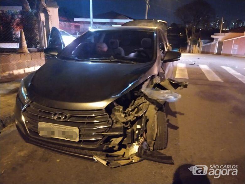 Colisão frontal entre moto e carro deixa jovem ferido - Crédito: Luciano Lopes