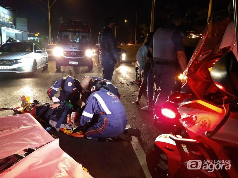 Motociclista sofre acidente na Miguel Petroni - Crédito: Luciano Lopes/São Carlos Agora