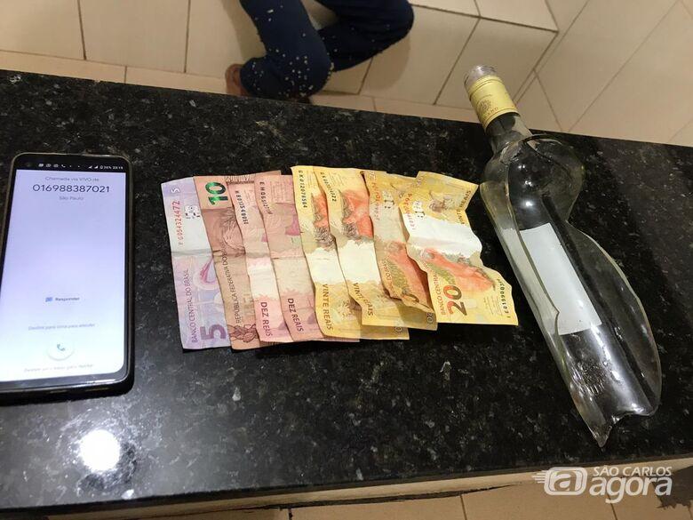 Bandido é agredido e acaba preso pela PM após assaltar motorista de aplicativo - Crédito: Divulgação/PM
