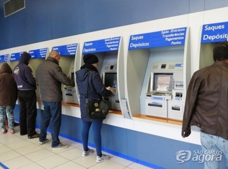 Caixa Econômica reduz horário de funcionamento das agências - Crédito: Agência Brasil