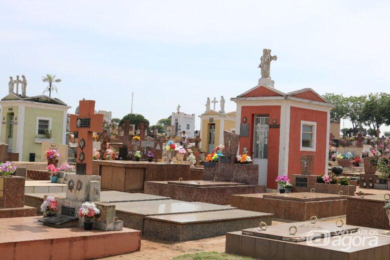 Cemitérios municipais estão fechados para visitação neste domingo (9), Dia dos Pais - Crédito: Arquivo/SCA
