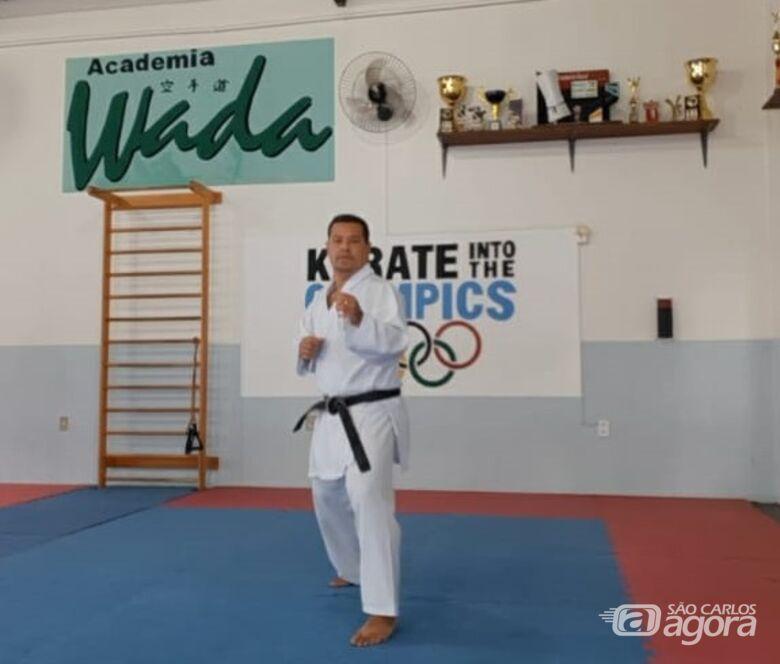 Técnico são-carlense participa de treinamento internacional de Karatê - Crédito: Marcos Escrivani