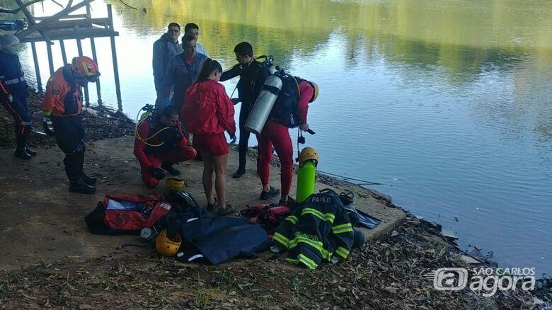 Jovens morrem após carro despencar no Rio Pardo - Crédito: X Tudo Ribeirão