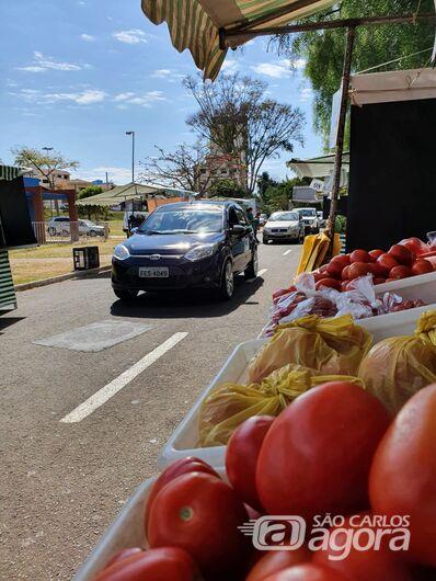 Feriado tem feira drive thru e no domingo varejão na Avenida Grécia -