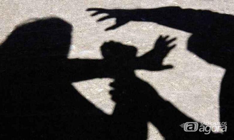 Homem é preso após agredir mulher a pauladas em Dourado - Crédito: imagem ilustrativa