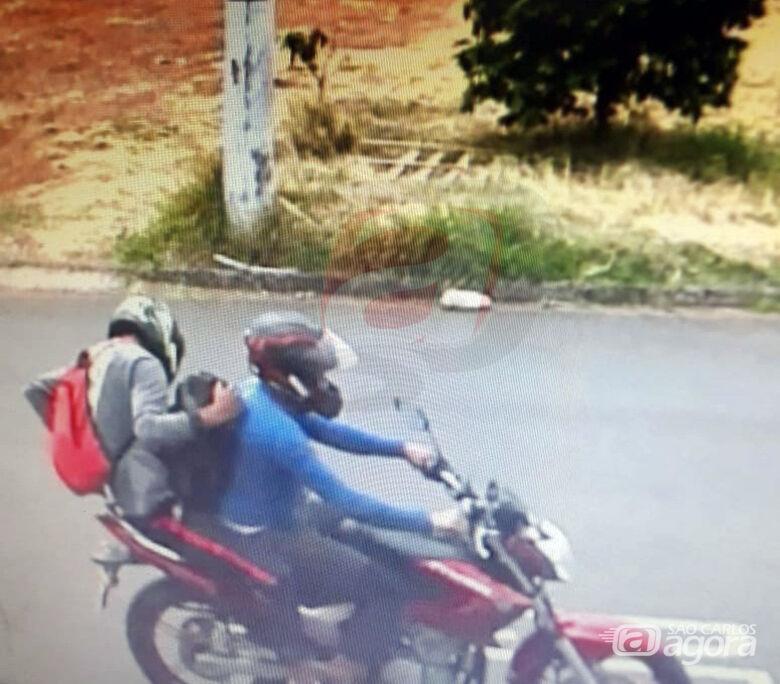 Polícia tenta localizar dupla que roubou malote com R$ 40 mil e baleou vítima em São Carlos - Crédito: Colaborador/SCA