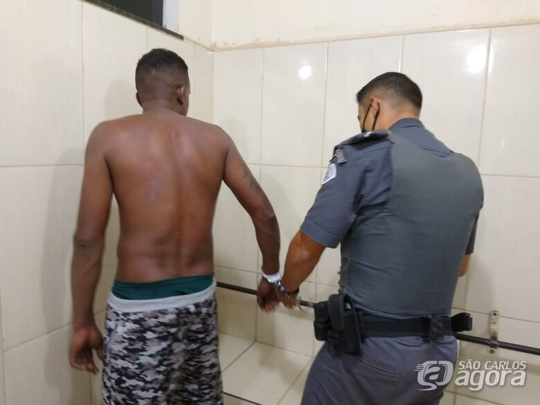 Homem é detido acusado de agredir a companheira no Aracy - Crédito: São Carlos agora