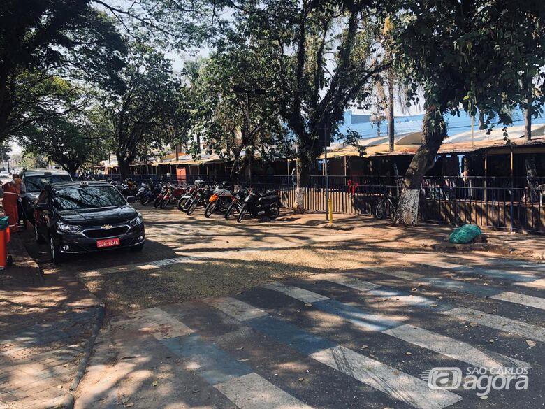 'Shopping beira rio' vai contar com 60 boxes e estacionamento para 70 veículos - Crédito: Divulgação/PMSC