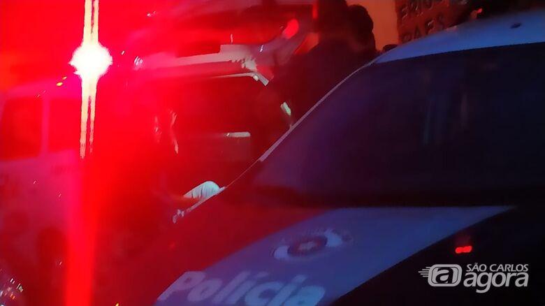 Após furtar loja, bandido abandona 17 pares de tênis - Crédito: Divulgação
