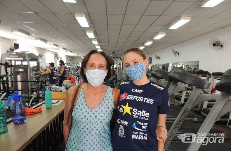 Marina com a mãe Vera Lúcia: brasiliense chega motivada a Sao Carlos e sonha com o Paulista - Crédito: Marcos Escrivani