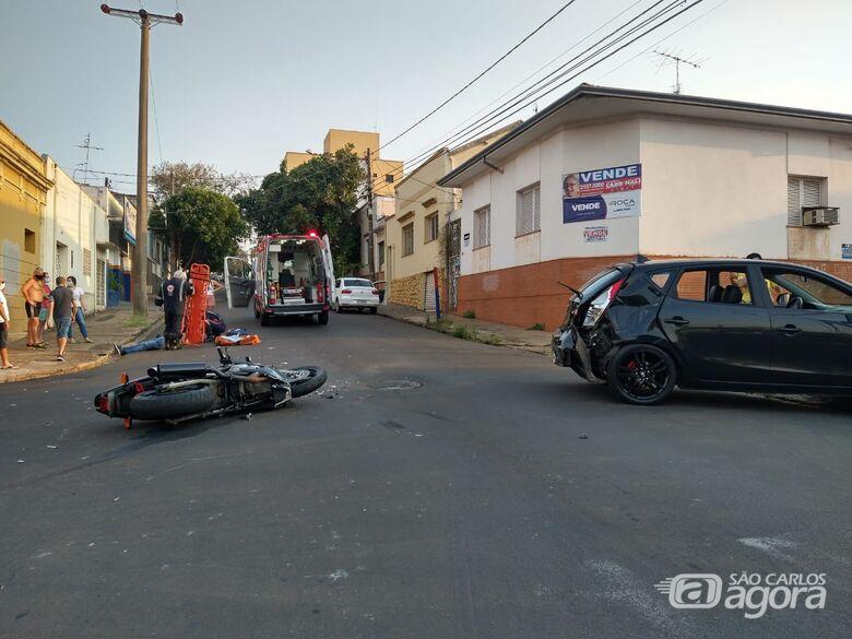 """Motociclista """"voa"""" cerca de 15 metros após colisão no Centro - Crédito: Luciano Lopes"""