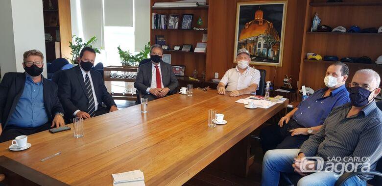 Delegado Dejair Rodrigues e equipe da Polícia Civil são recebidos no Paço Municipal - Crédito: Divulgação