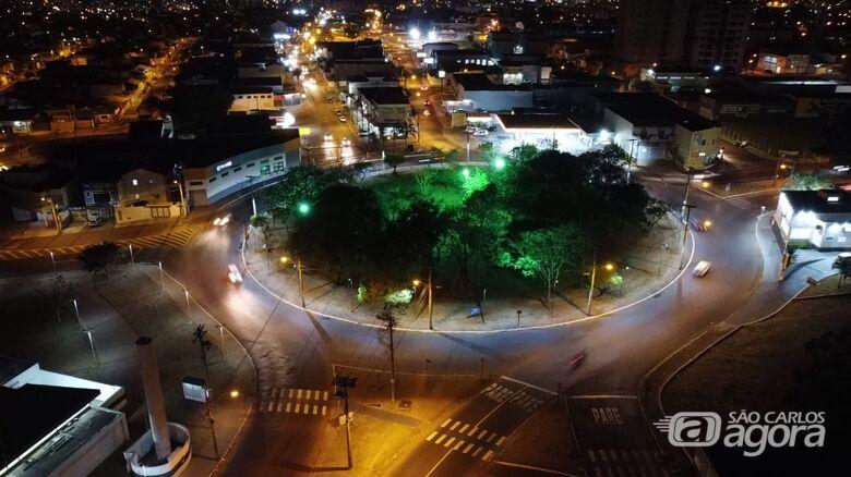 Rotatórias da Miguel Petroni recebem iluminação com lâmpadas de LED - Crédito: Divulgação