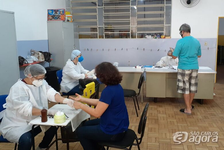 Professores e servidores da secretaria de educação são testados para COVID-19 em São Carlos -