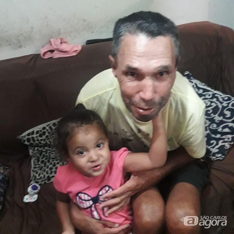 Família pede ajuda para localizar homem com problemas mentais; sobrinha sente falta do tio e está doente - Crédito: Divulgação