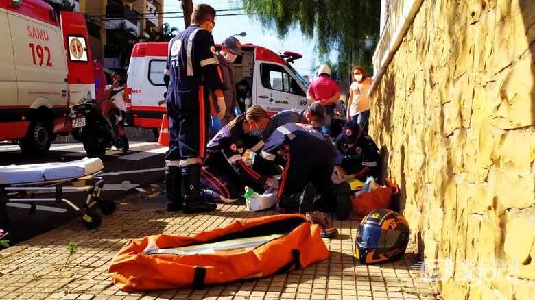 Casal sofre grave acidente no centro de São Carlos - Crédito: Maycon Maximino