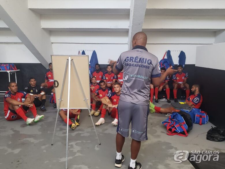 Em Amparo, antes da partida, uma resenha com os atletas: preparação para a partida - Crédito: Divulgação