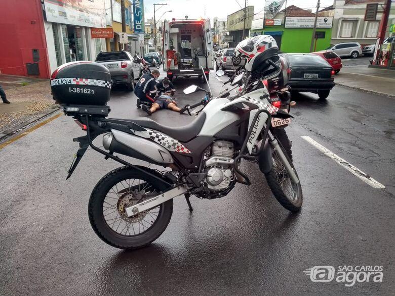 Motociclista sofre queda e fica ferido - Crédito: Maicon Ernesto