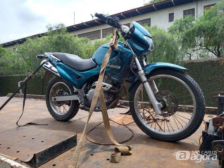 Moto furtada durante a noite é utilizada em tentativa de roubo - Crédito: Luciano Lopes