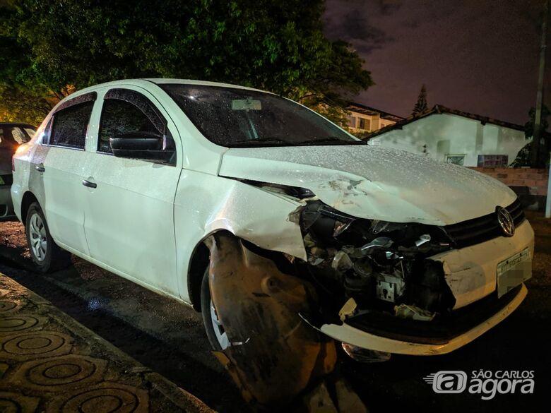 Jovem acusado de roubar carro e abusar da vítima é detido após se envolver em acidente de trânsito - Crédito: Maycon Maximino