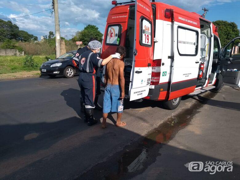 Homem é esfaqueado e pede ajuda em lanchonete na Vila Morumbi - Crédito: Maicon Ernesto