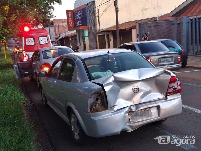 Três carros se chocam em engavetamento no Boa Vista - Crédito: Luciano Lopes