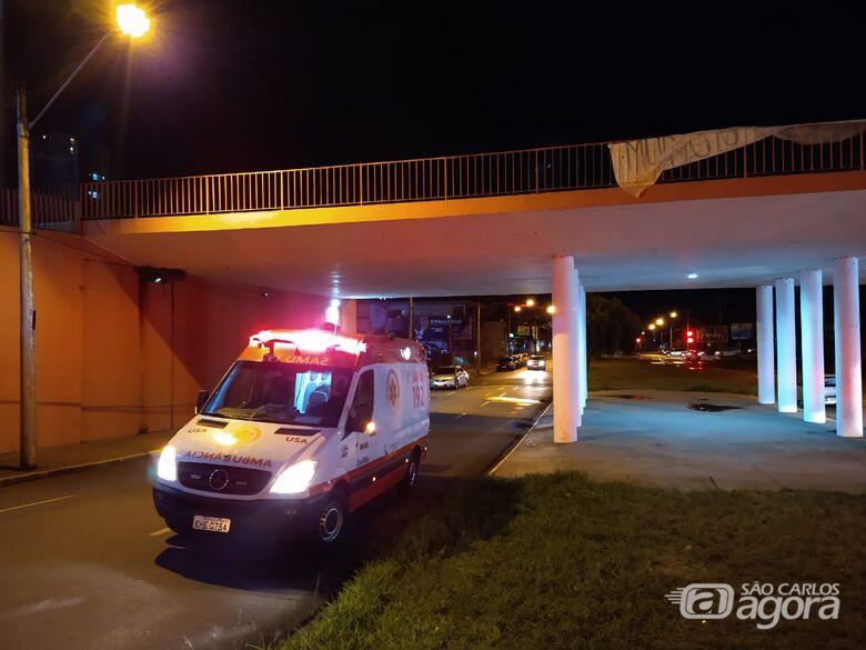 Morador de rua fica gravemente ferido após pular de ponte - Crédito: Luciano Lopes