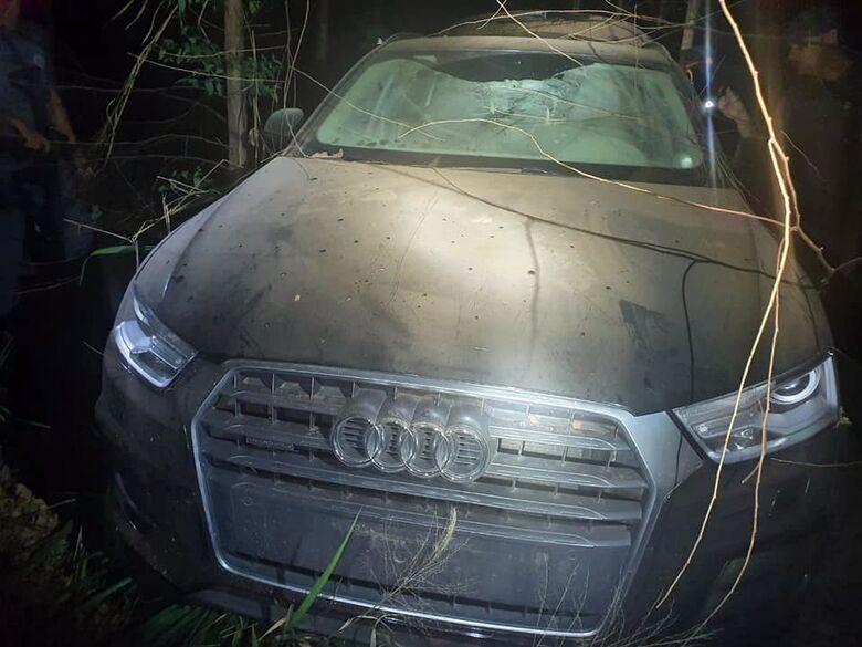 Audi usado pela quadrilha durante assalto a banco em Araraquara - Crédito: Divulgação/PM