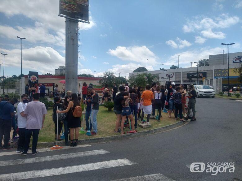 Burger King do Passeio São Carlos é autuado pelo vigilância sanitária - Crédito: Luciano Lopes/São Carlos Agora