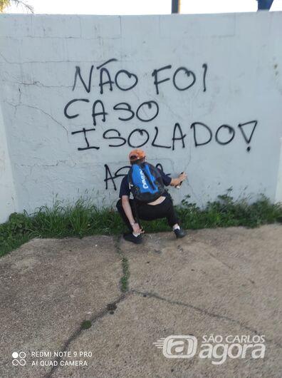 Grupo faz protesto por João Beto em frente ao Carrefour da avenida São Carlos - Crédito: Colaborador/SCA