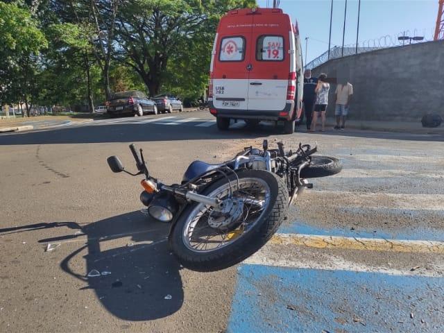 Motociclista fica ferida após colisão na Vila Celina - Crédito: Maicon Ernesto