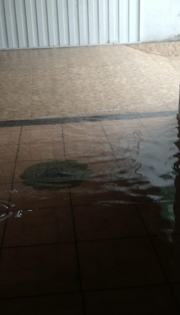 No Boa Vista, água invade casa e família perde móveis - Crédito: Divulgação
