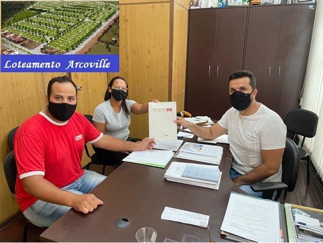 Vereador Rodson recebe futuros moradores do Jardim Arcoville - Crédito: Divulgação
