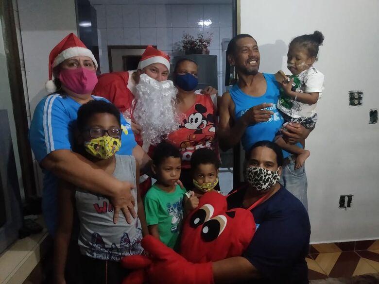 Papai Noel da ONG Mid inicia visitas para crianças e adultos com necessidades especiais - Crédito: Marcos Escrivani