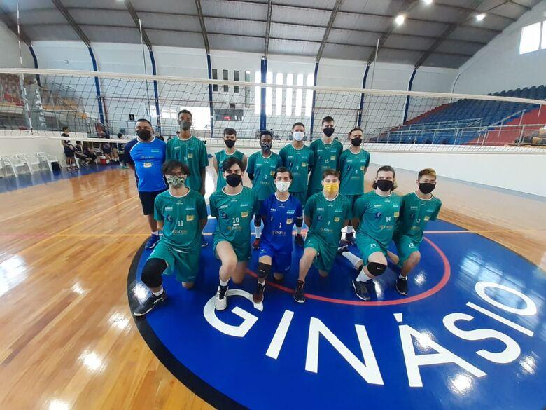 Equipe de vôlei masculino de São Carlos decide título na APV - Crédito: Divulgação