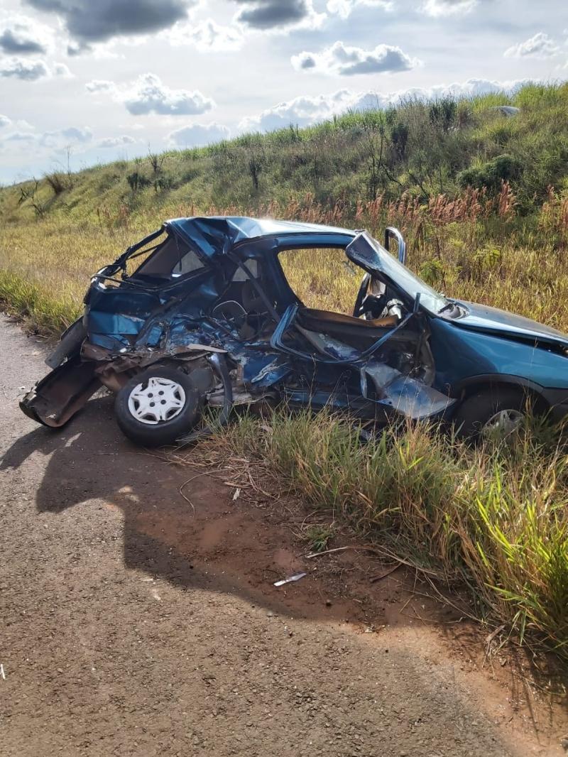 Estudante de 16 anos morre em acidente entre carro e caminhão na região