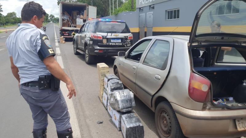 Palio que foi roubado em São Carlos foi encontrado recheado de drogas