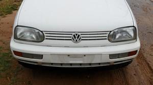 Morador perdeu a placa do veículo ao tentar fazer a travessia do local