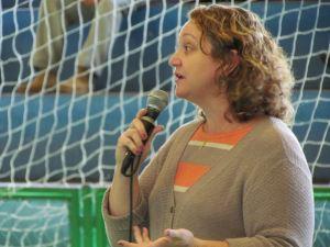 Vânia Helena Gonçalves, auxiliar administrativa da biblioteca comunitária. (Foto: Tiago da Mata / SCA)
