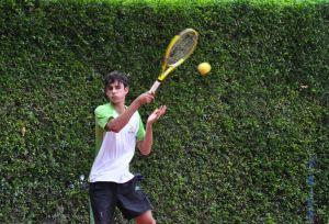 http://media.saocarlosagora.com.br/uploads/jogos-regionais-2012-012-004-rodrigo-tenis-300204.jpg